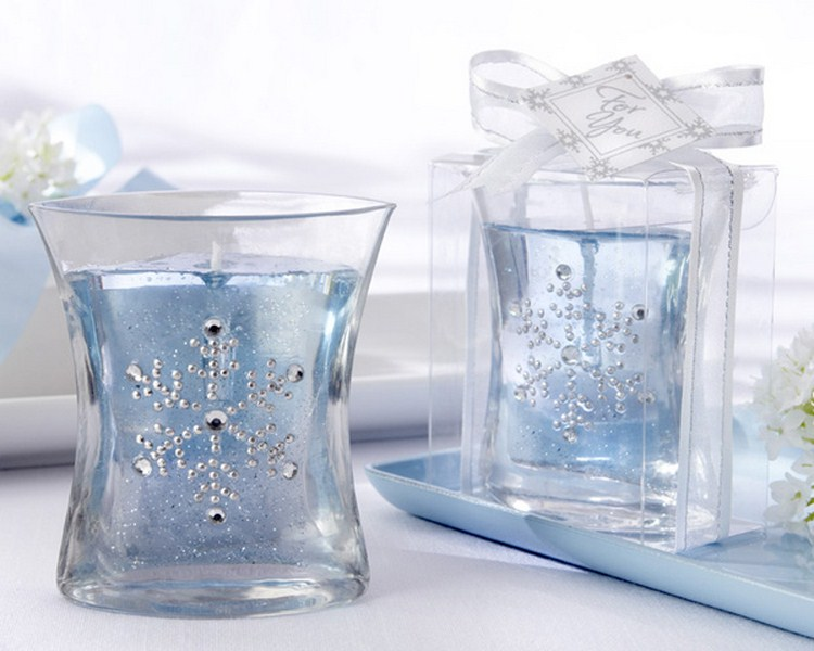 unique-winter-wedding-favors 800x600.jpg