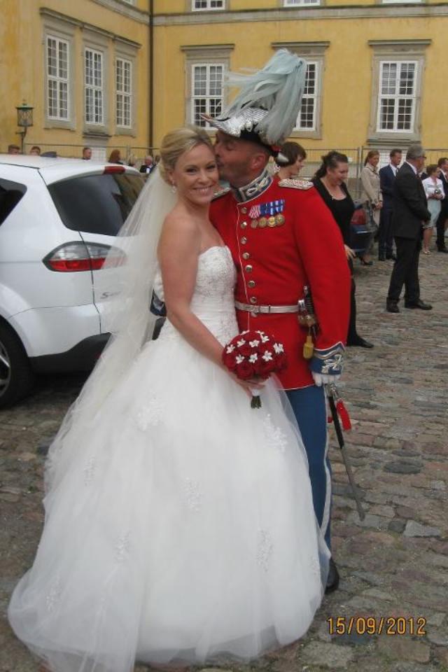Kjoler Med Fyldige Store Bryllupsklar Brudekjolesnak dk Jer 7txwq4w