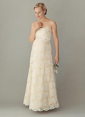 bd15ec0b3695 er der nogen der ved hvor denne kjole er fra   - Brudekjolesnak ...