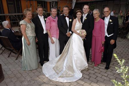 Brudens mors kjole Brudekjolesnak Bryllupsklar.dk