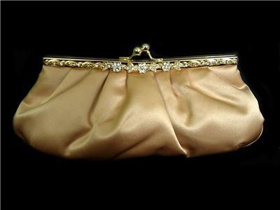 ecf49cc50a1 Hvilke farve sko/taske og smykker...??? - Brudekjolesnak ...