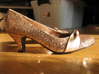 5059b3732e2 Farvede sko til hvid kjole ?? - Brudekjolesnak - Bryllupsklar.dk